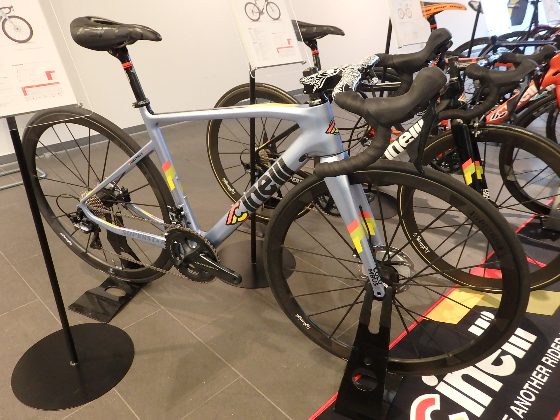 CINELLI(チネリ) SUPERSTAR(スーパースター)DISC ULTEGRA Mix完成車 2019