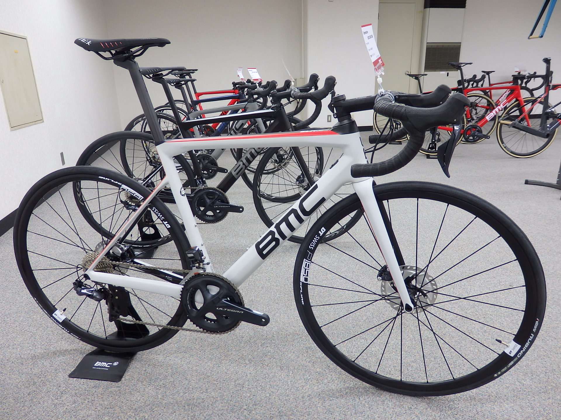 SLR02 ONE DISC ULTEGRA Di2完成車