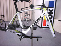 LOOK 2014�N���f�� 695 AEROLIGHT Frame Set WHITE ACID COLOR�i���b�N �G�A�����C�g �t���[���Z�b�g �z���C�g�A�V�b�h�J���[�j