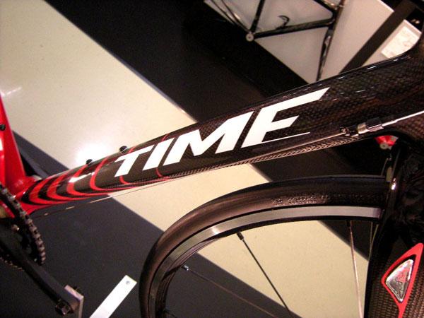 自転車の time 自転車 完成車 : バックフォークも比較的細身 ...